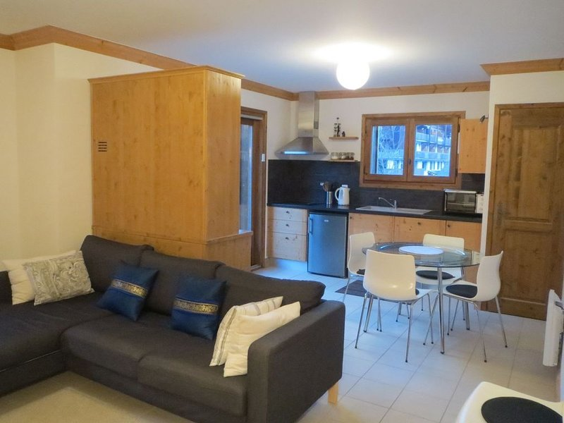 Modern Apartment Central Morzine, vacation rental in Morzine