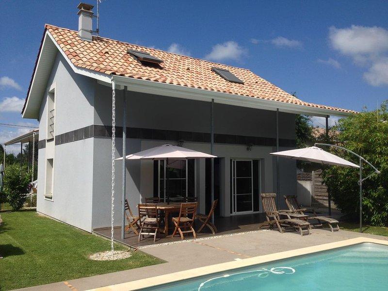 maison neuve typique arcachonnaise avec piscine et à 600 m du bassin d'arcachon, location de vacances à La Teste-de-Buch