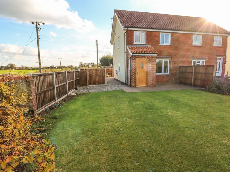 27 Whitegates, LUDHAM, holiday rental in Ludham