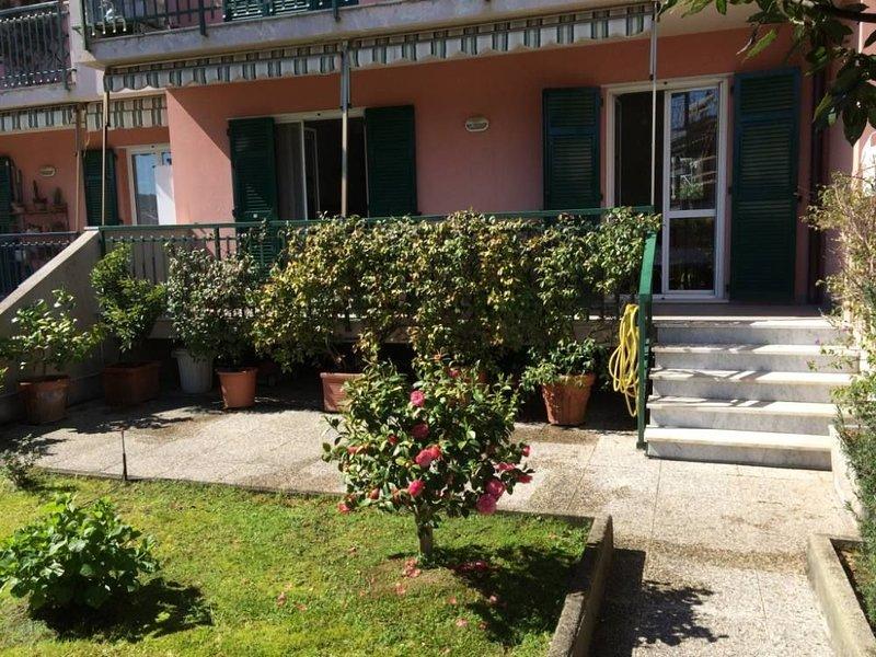 Sestri Levante appartamento con giardino, spiagge raggiungibili anche in bici, location de vacances à Bruschi