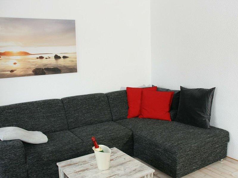 Cozy Apartment in Satow Kuhlungsborn and Doberan with garden, casa vacanza a Goldberg