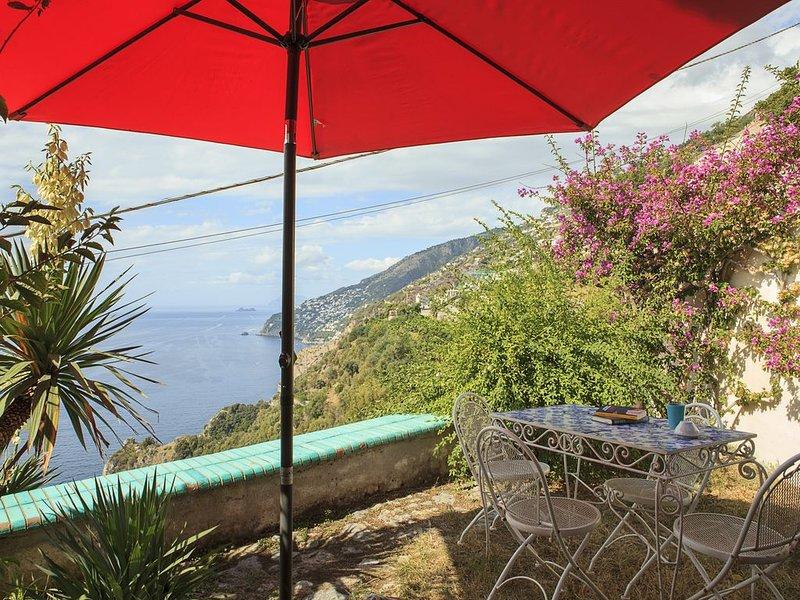 Il Glicine: Capri und das türkisblaue Meer vor Augen, nur 600 m vom Strand, vacation rental in Conca dei Marini