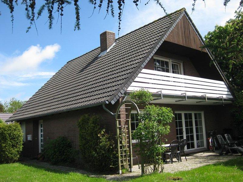 Modernes, großes Haus mit Sauna und  Kamin - 900 m zum Nordseestrand, WLAN  frei, holiday rental in Utarp