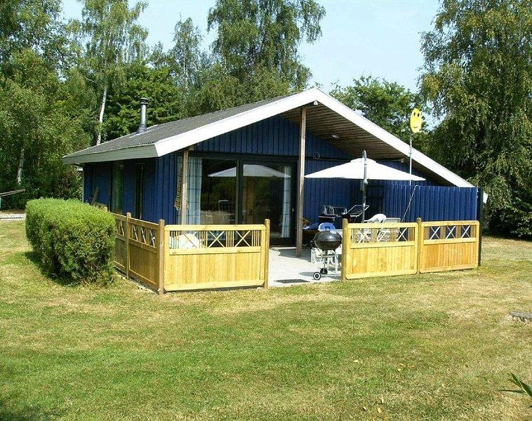 Schönes Ferienhaus in ruhiger Umgebung nahe kinderfreundlichem Badestrand, location de vacances à Horuphav