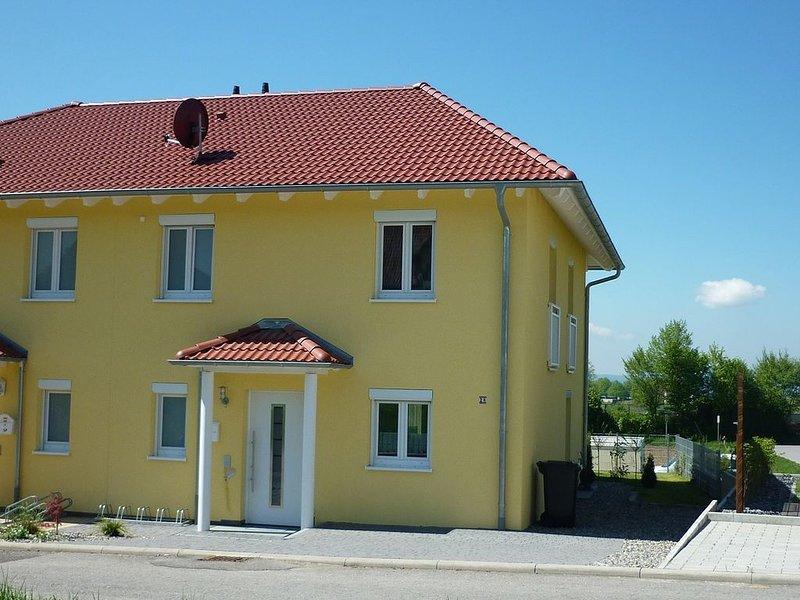 Moderne DHH, exclusive Ausstattung und traumhafte Sicht auf den Bodensee, holiday rental in Meersburg (Bodensee)
