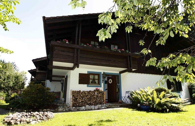 Bayrisch und gemütlich, Landhaus für die große Familie nebst großem Garten, holiday rental in Upper Bavaria