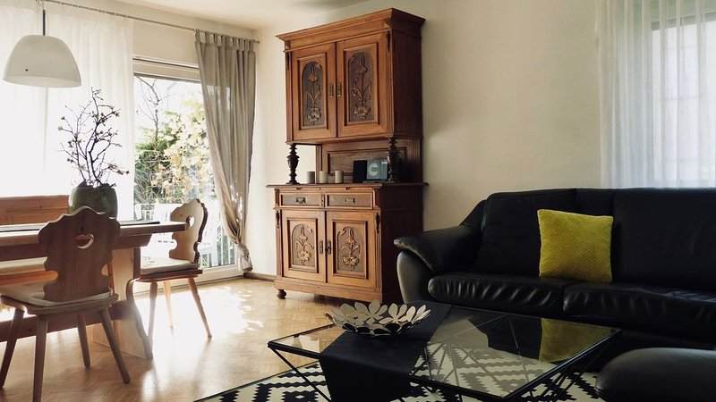 Helle, moderne Ferienwohnung mit Charme in Dahn, holiday rental in Dorrenbach