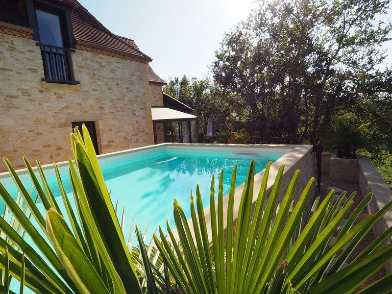 Magnifique Villa de prestige, piscine chauffée, située au cœur du Périgord Noir, holiday rental in Berbiguieres