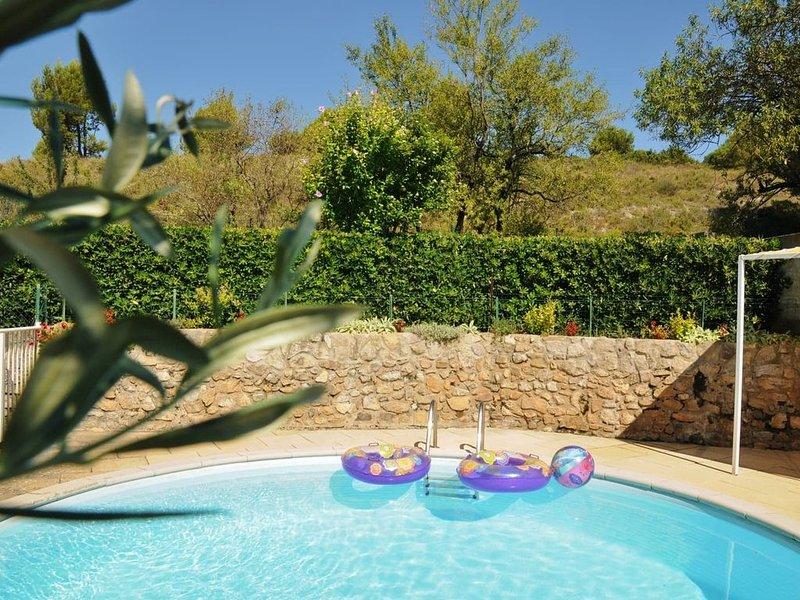 Appartement au coeur des ALPILLES, aux portes de la CAMARGUE, location de vacances à Paradou