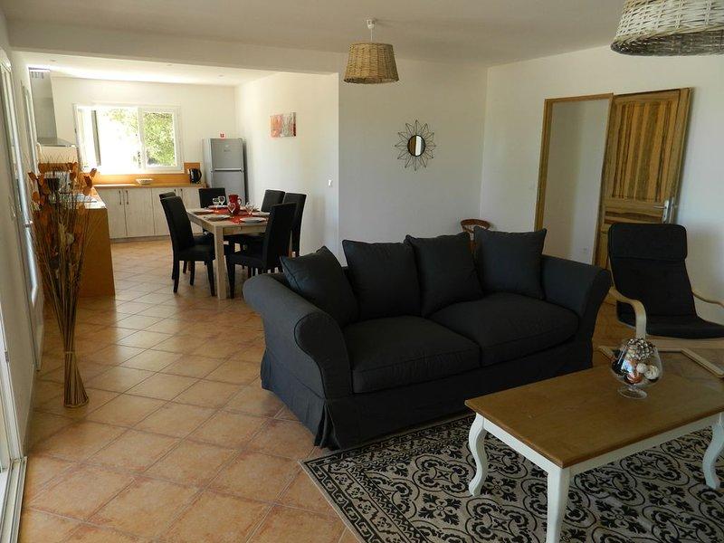 Maison pour les Vacances avec Piscine chauffée et garage en Sud Ardèche, location de vacances à Montclus