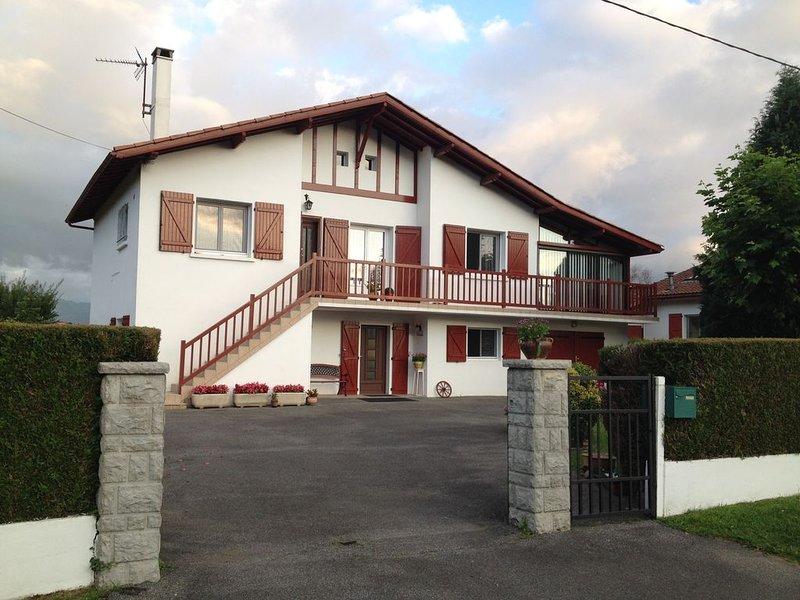 appartement 80 m2   dans maison aux portes de saint jean pied de port, location de vacances à Gaindola