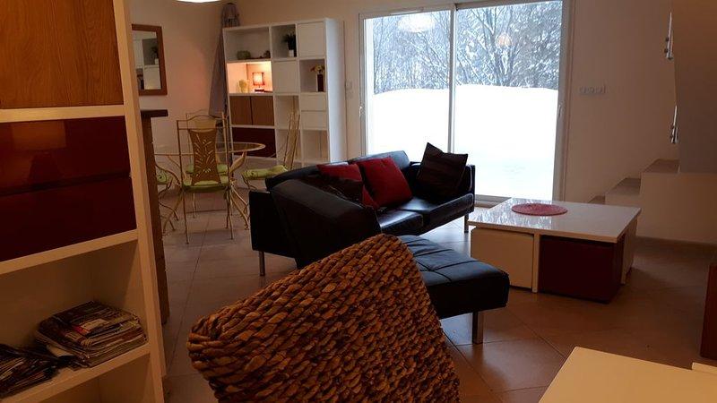 DUPLEX HAUT-DE-GAMME 95 m2 REZ DE JARDIN A 1.8 KM STATION DE SKI, location de vacances à Lac des Rouges Truites