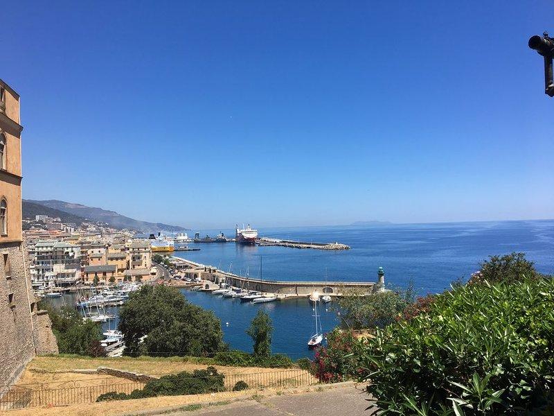 Bastia e il vecchio porto visto dalla cittadella