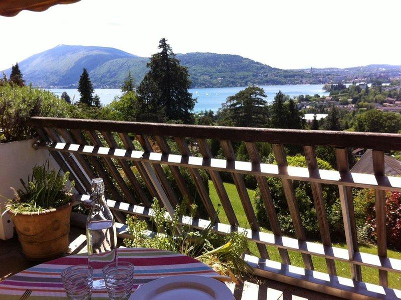 Appartement 2 pièces avec terrasse, piscine et tennis, vakantiewoning in Annecy