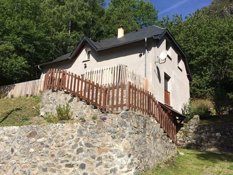 MAISON 12 PERS. SITUEE ENTRE ST LARY SOULAN ET PIAU ENGALY, vacation rental in Aragnouet