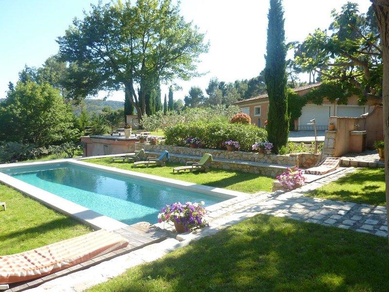 Très belle Maison de caractère avec Piscine au Calme dans Ecrin de Verdure, location de vacances à Sillans-la-Cascade