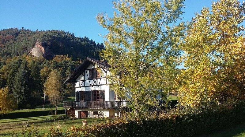 Gîte du Maimont****7 personnes, Vosges du Nord, situation exceptionnelle, Sauna, holiday rental in Oberbronn