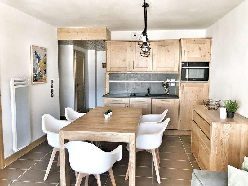 Spacieux 2 chambres - Plein sud - Idéal famille envie de nature - Linge inclus, holiday rental in Champagny-en-Vanoise