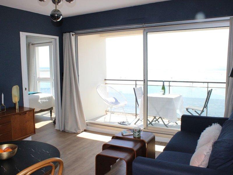 NOUVEAU! VUE MER EXCEPTIONNELLE! IDEAL COUPLE POUR SEJOUR RELAX, vacation rental in Agon-Coutainville