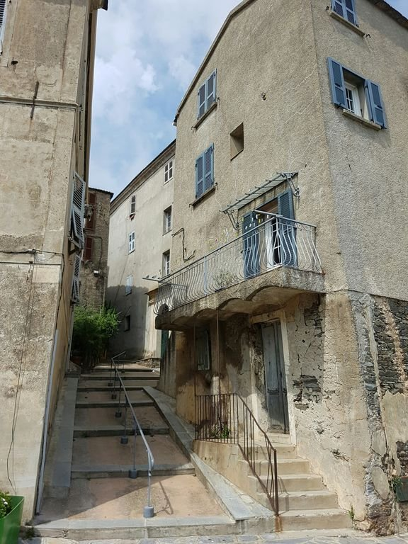 CERVIONE: a village street 5kms overlooking the Costa Verde. To visit!!!