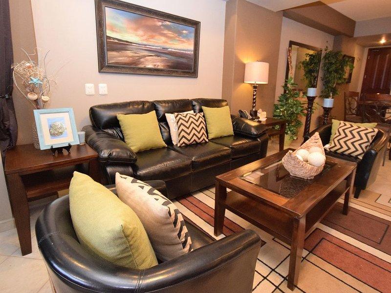 Beautifully Decorated 1 Bedroom Condo, vacation rental in Puerto Penasco