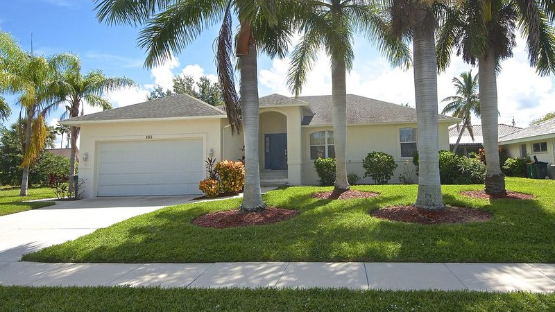 Three block walk to beach, private pool, designer home, vacation rental in Goodland