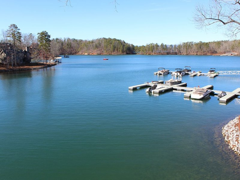 Lake Front Chalet 9.4 miles to Clemson University, vacation rental in Pickens