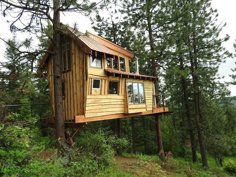TreeHouse at Hauser Lake Idaho, aluguéis de temporada em Elk