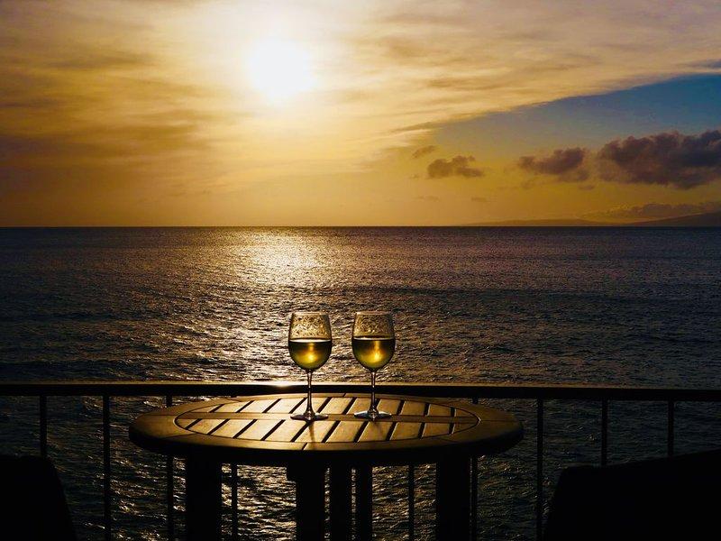 Maui Kai 306 Oceanfront Condo, Fantastic Ocean Views, location de vacances à Lahaina