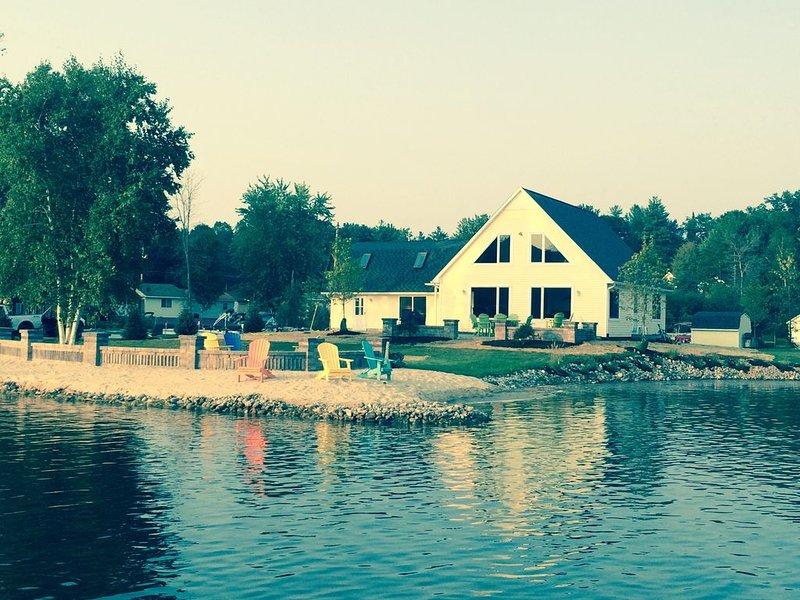 Island Cove Is A Private Island W/ A Land Bridge On All Sports Sage Lake Hale MI, casa vacanza a Hale