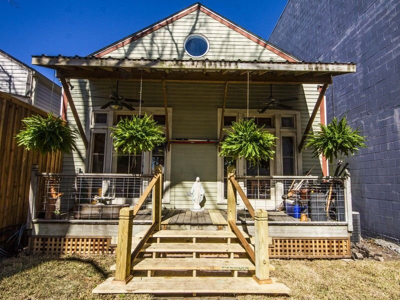 FRENCH QUARTER - WAREHOUSE DISTRICT - CONVENTION CENT -  Healthy, holiday rental in New Orleans