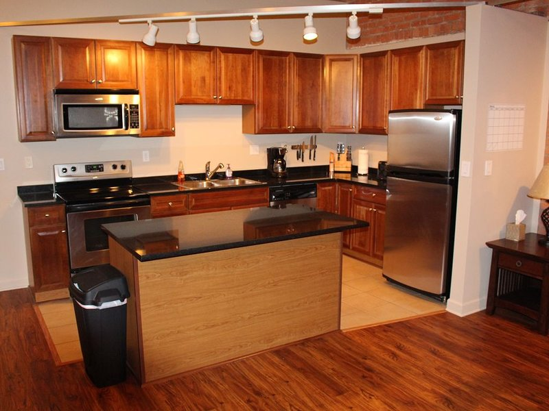 Beautiful Condo on Lake Erie, holiday rental in Sandusky