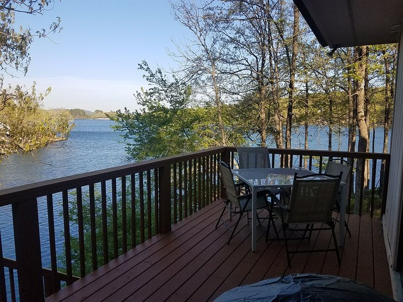 Fun in the sun and water, vacation rental in Hot Springs Village