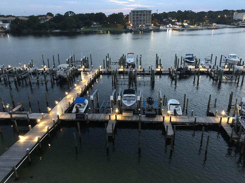 Yacht Club Dreams - New Rental!!!, vacation rental in Fort Walton Beach