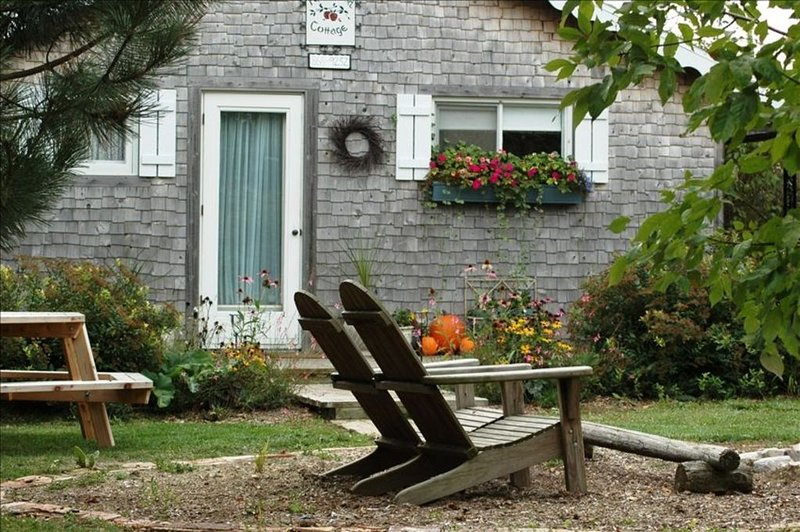 Pet Friendly Private Cottage on 10 Acre Farm in Fish Creek, location de vacances à Egg Harbor