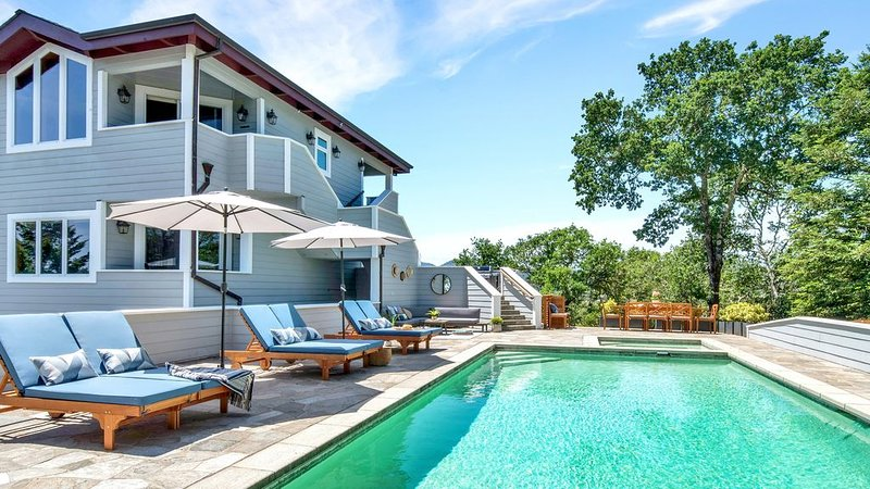 Luxury Wine Country Home in the Heart of Healdsburg with a Private Pool., vacation rental in Healdsburg