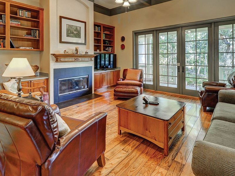 2 BR Golf Cottage in Hampton Hall with Golf Course Views, vacation rental in Bluffton