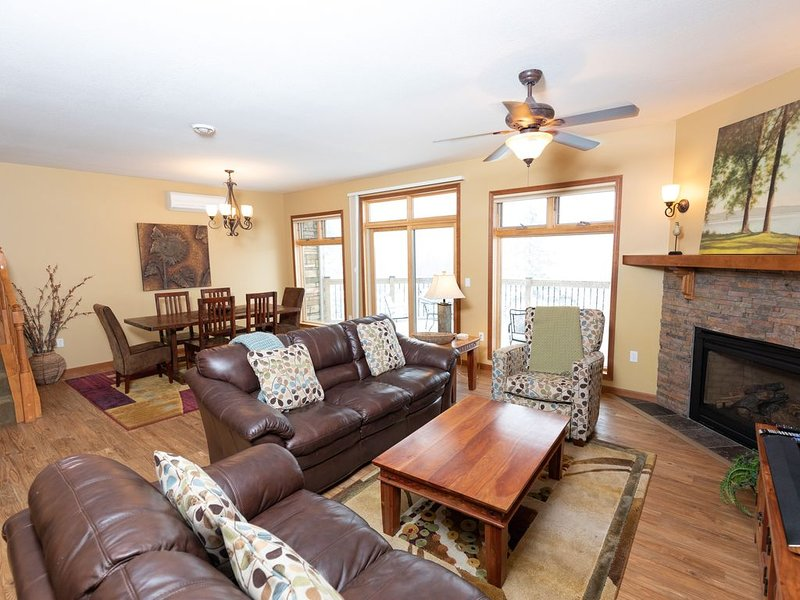 Highpoint at The Heritage Townhomes in Lutsen.  Spoil Yourself!!!, alquiler vacacional en Schroeder