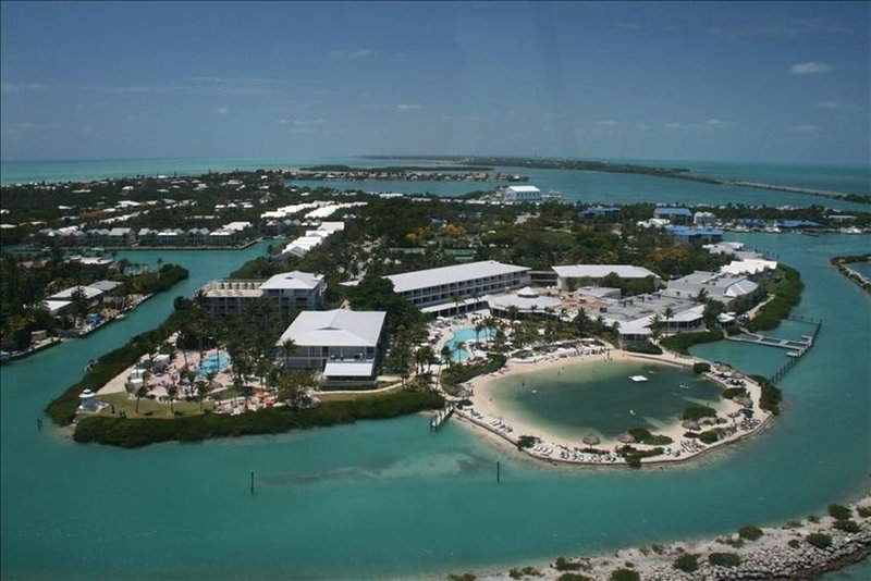 Village at Hawks Cay Spa Villa & 35 Ft Dock, holiday rental in Marathon