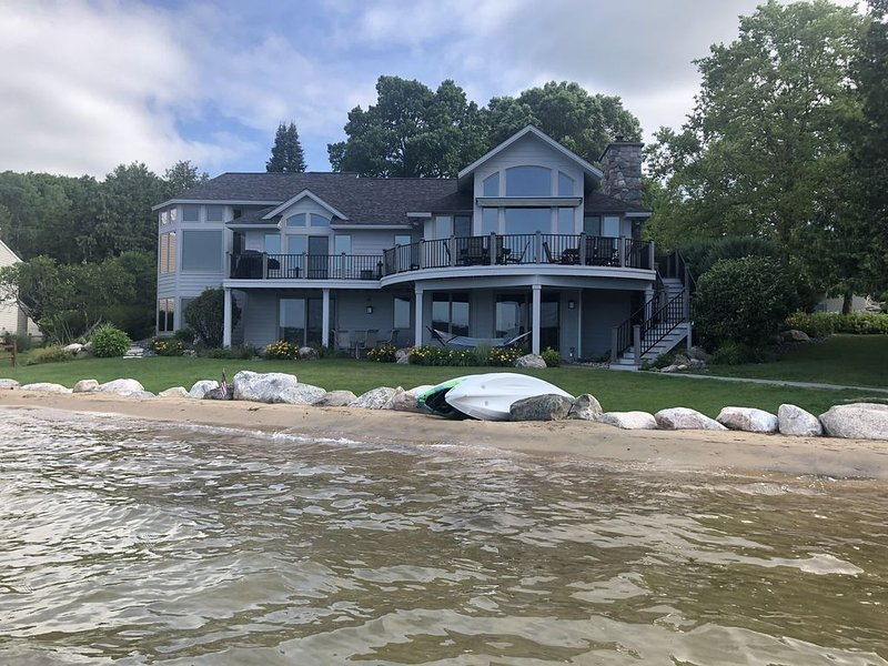 132 ft. Of Pristine Sandy Beachfront Within Walking Distance To Boyne City!, vacation rental in Charlevoix County