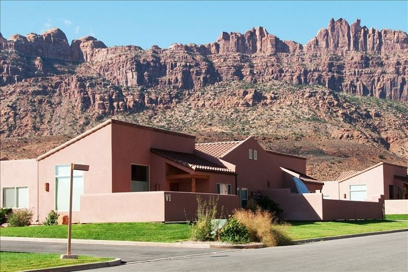 Simply the Best - Luxury, Comfort, Convenience in Rim Village!, vacation rental in Moab