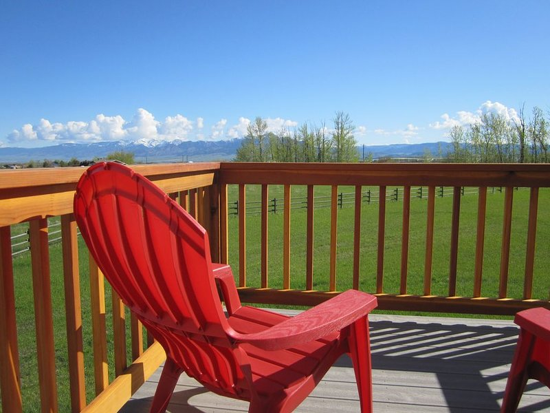 A little bit o' country, yet close to town, with spectacular mountain views!, aluguéis de temporada em Bozeman