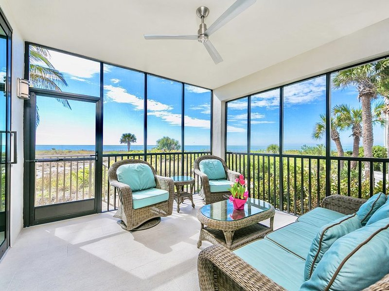 Newly Renovated 2BD/2BA Luxury Condo Just Steps To Spectacular South FL Beaches, holiday rental in Boca Grande