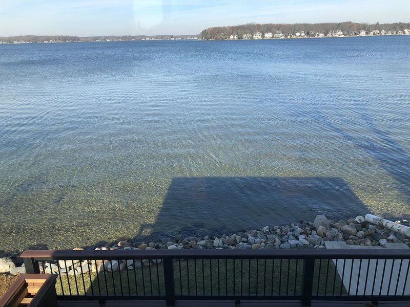 Beautiful Clear Lake 4 bedroom lakefront home  in Fremont, Indiana!, holiday rental in Coldwater