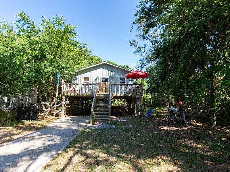 The Mermaids Purse Cottage ~ Privacy ~ Pet Friendly, location de vacances à Kill Devil Hills