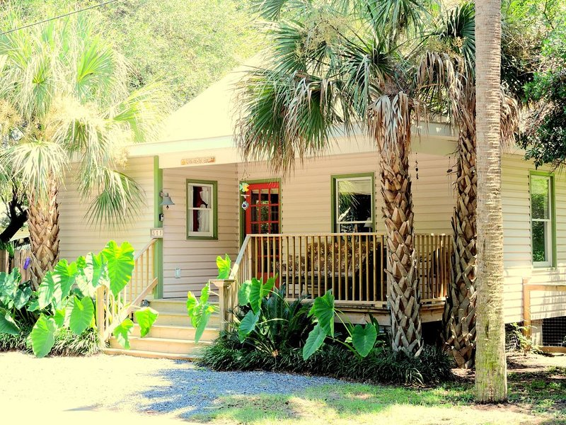 Great Family Beach House!  Discounted Rate for 7+ Nights!, location de vacances à Folly Beach