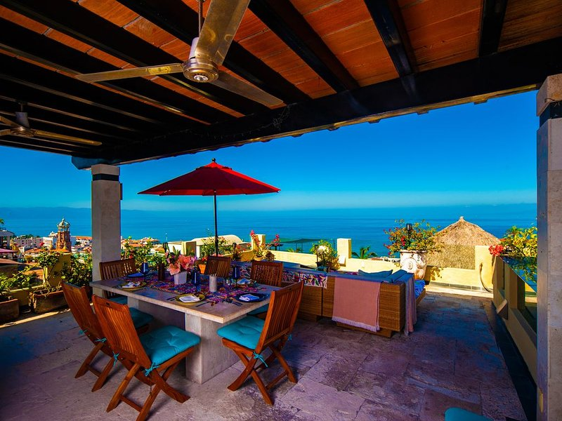 A Charming, Open-Air Home Perfect for Groups in Downtown, vacation rental in Puerto Vallarta
