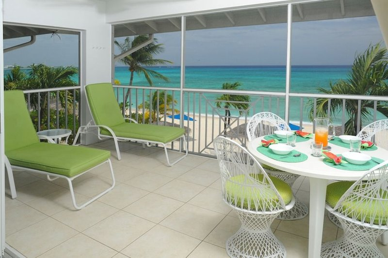 Sensational Beachfront View, 41 Discovery Point Club, Seasonal Special Offers., holiday rental in West Bay