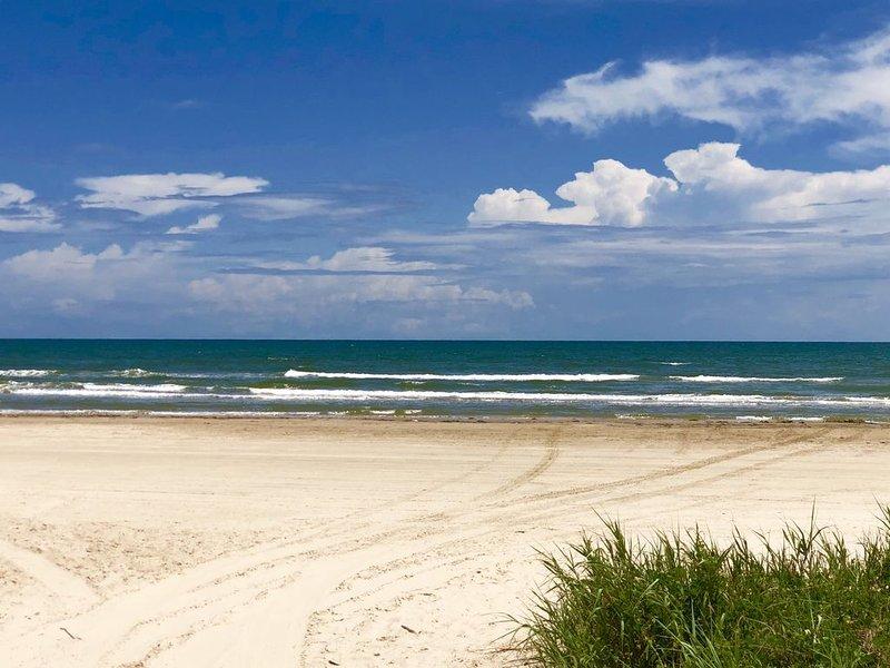 """Beach Front And Bay Views! """"The Seahorse Escape"""", location de vacances à Freeport"""