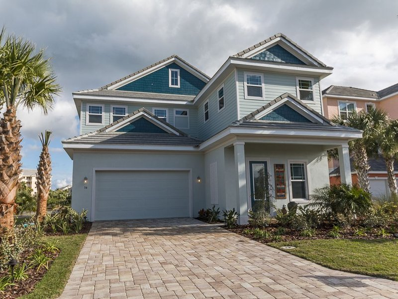 *AMAZING AND NEW* 5 Bed/4.5 Bath Prvt Pool/Spa/Lanai,Lakeview, holiday rental in Palm Coast